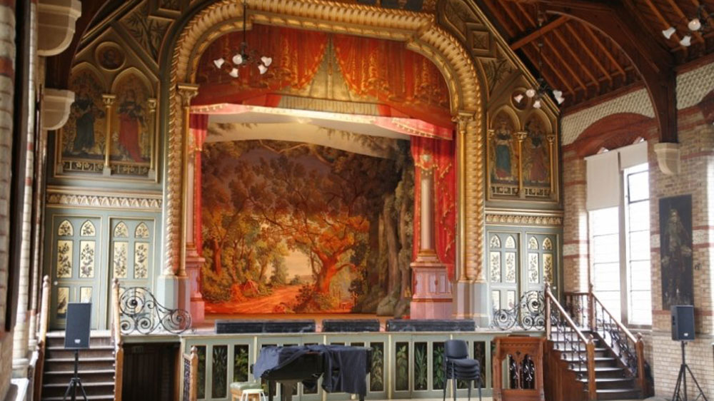 9.Hidden-London-Locations-Music-Hall
